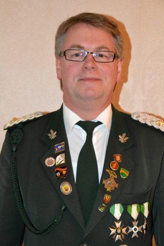 Stellv. Oberst und Major